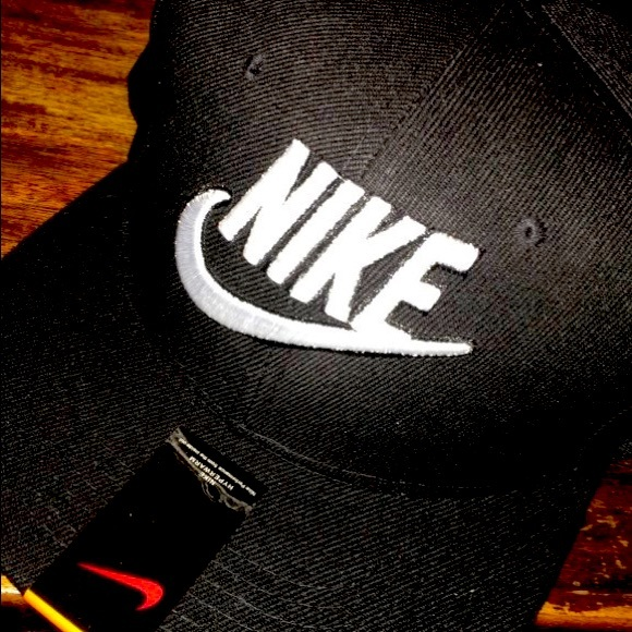 Nike hat black brand new with tags